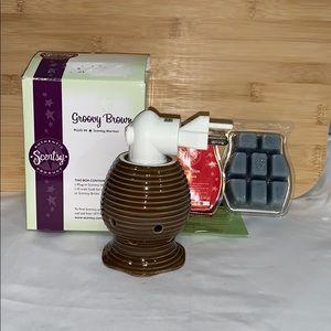 Scentsy plug in warmer & light